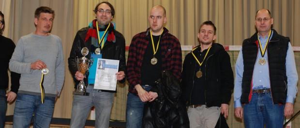 Das Meisterteam aus Schönaich: Marcus Kübler, Moritz Reck, GM Marin Bosiocic, FM Julijan Plenca, IM Karsten Volke (Foto: Seyfried)
